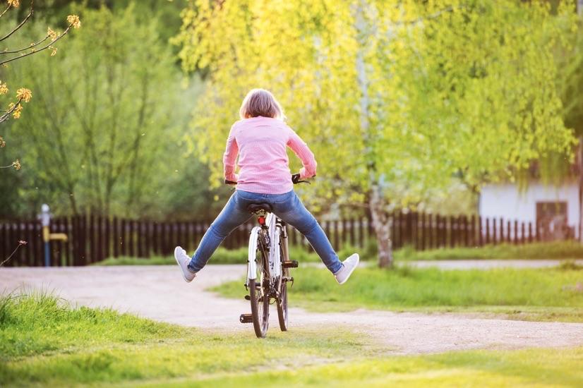 seniorka na bicykli